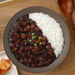 CJ HETBAN  CJ HETBAN Gekochter Reis mit schwarzer Bohnenpaste 275g(MHD: 05/07/2021) 1